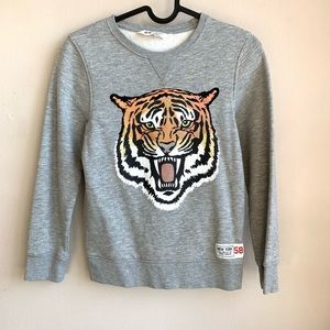 H&M Tiger graphic sweatshirt EUC